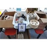 Lot: asst. take-out supplies / sacs, boîtes et cabarets de transport