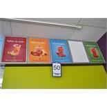 5-panel electric sign / Enseigne lumineuse de 5 affiches