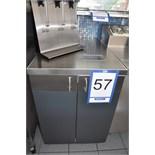 2-door & 1-door service counters w/ S/S top / Comptoir de service 2' avec ………………..