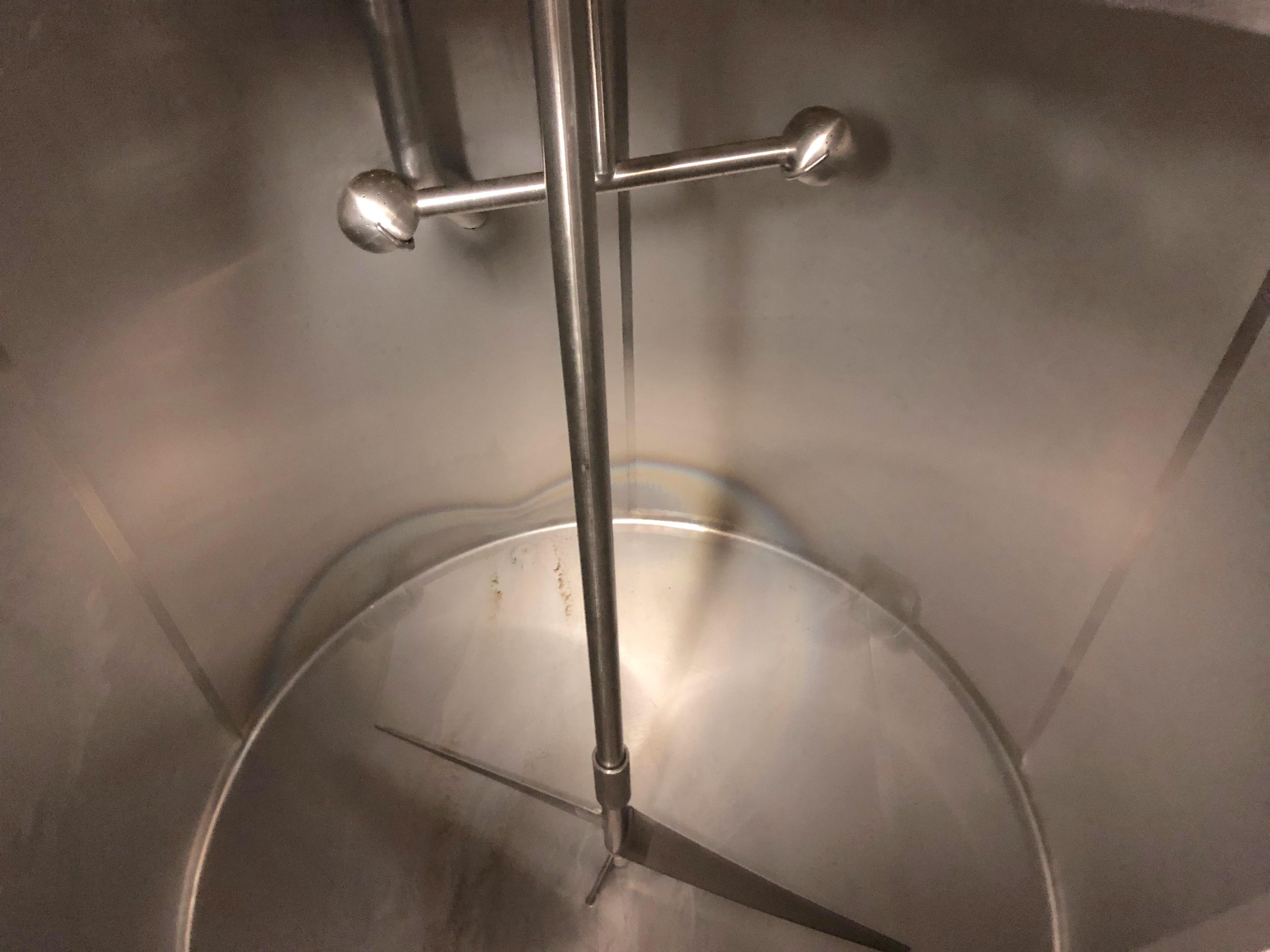 Lot 38 - Mueller 1200 Gallon Stainless Steel Vertical Mixing Tank