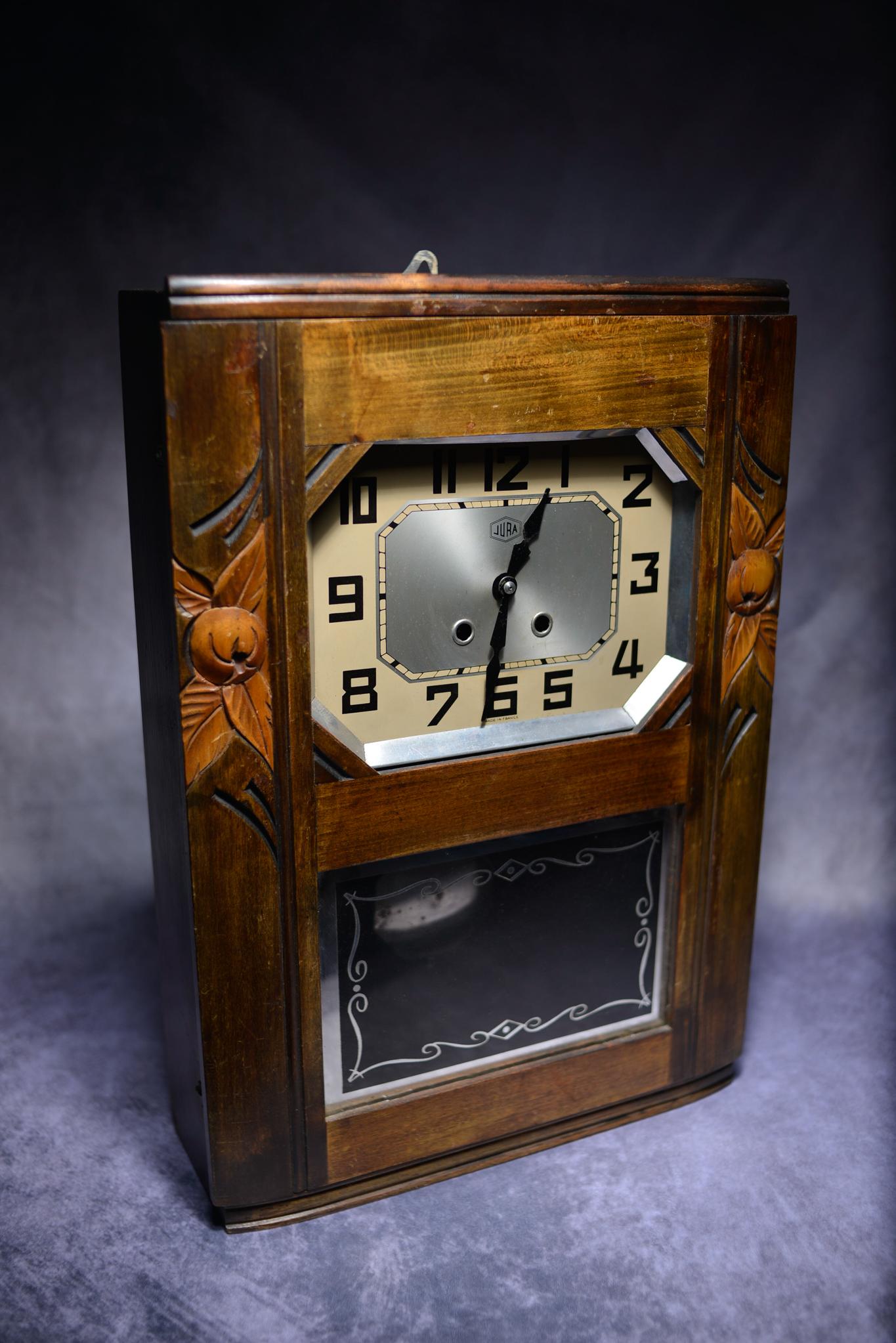 Lot 12 - Art Deco Wooden Wall Clock.