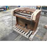 """THOMAS SOLID STATE ORGAN - """"THE LAWRENCE WELK"""": MODEL 726S"""