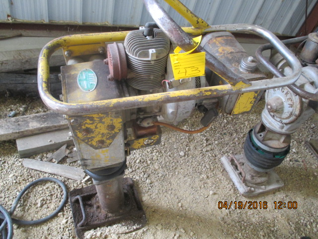 Lot 43 - Dixie jumping jack, compactor