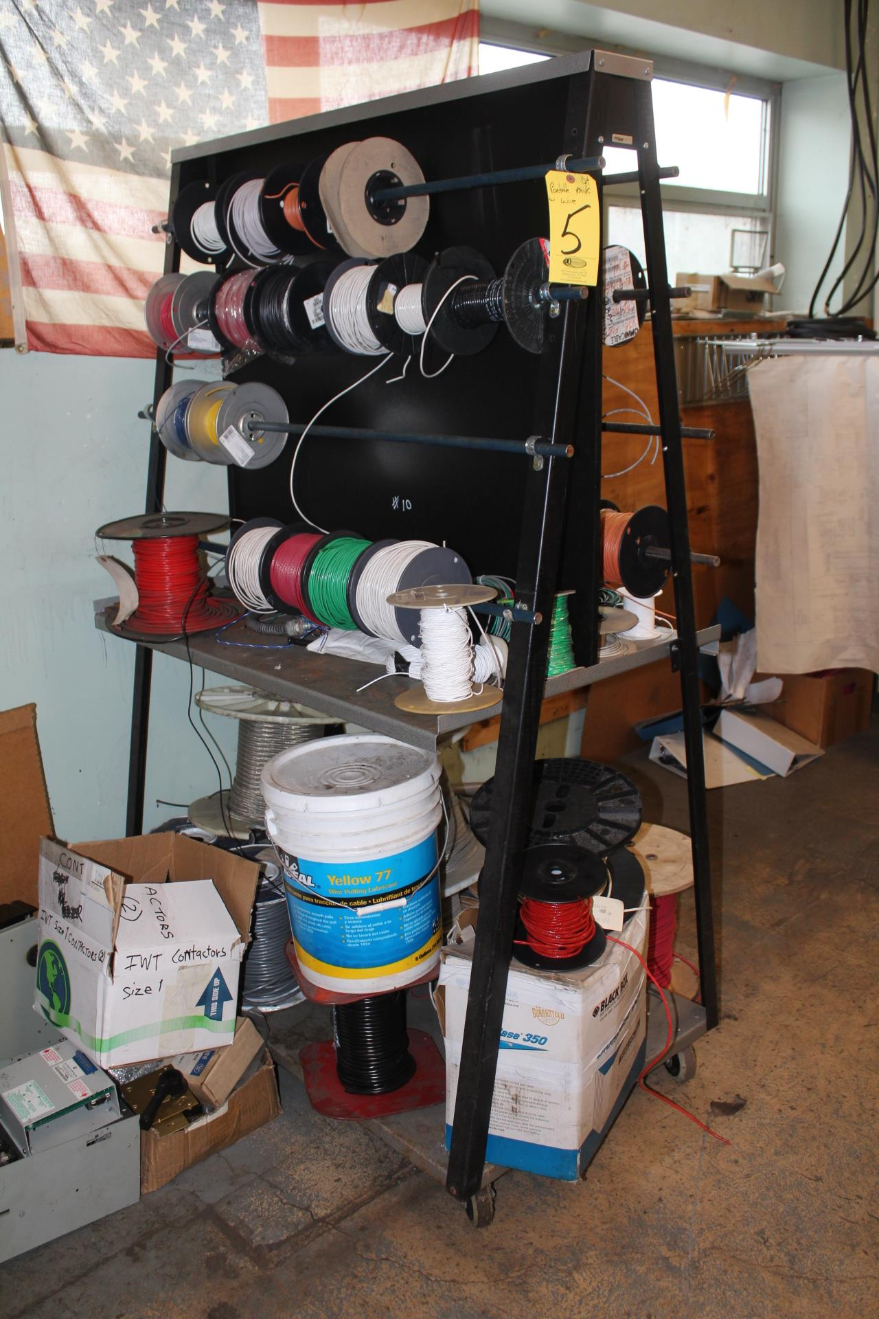 PORTABLE WIRE RACK AND CONTENTS