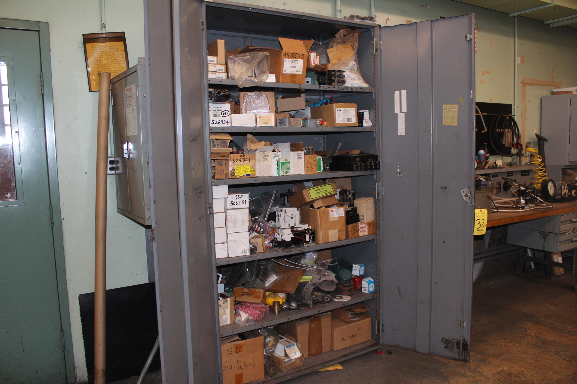 DD SUPPLY CABINET & CONTENTS - Image 2 of 2