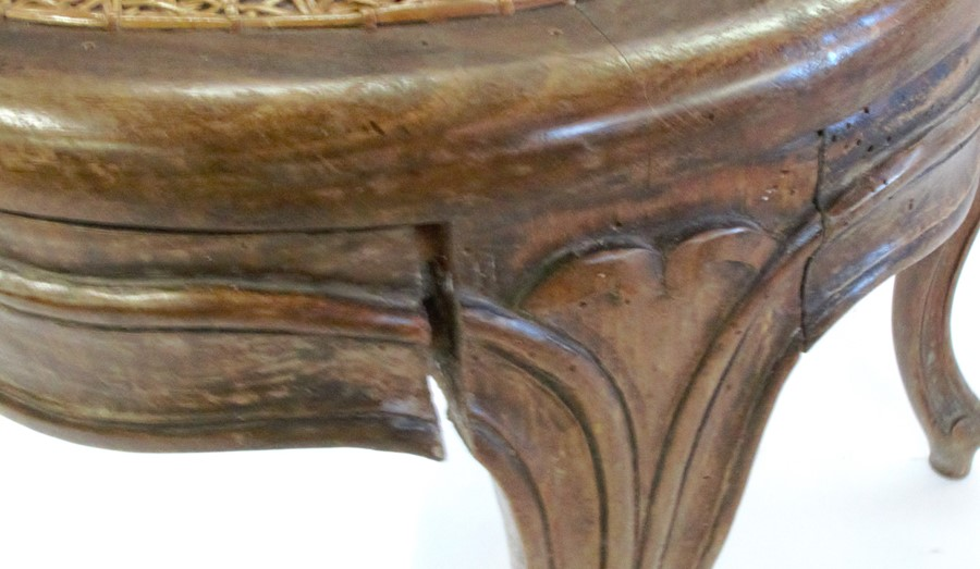 A set of seven bergere dining chairs, with shaped front rail, raised on craved scroll legs - Image 5 of 5