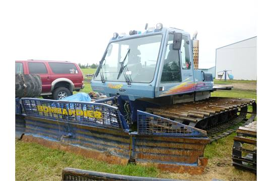 1996 BOMBARDIER BR275 PLUS MP SNOW CAT W/8 WAY 14' BLADE 448 2 HRS