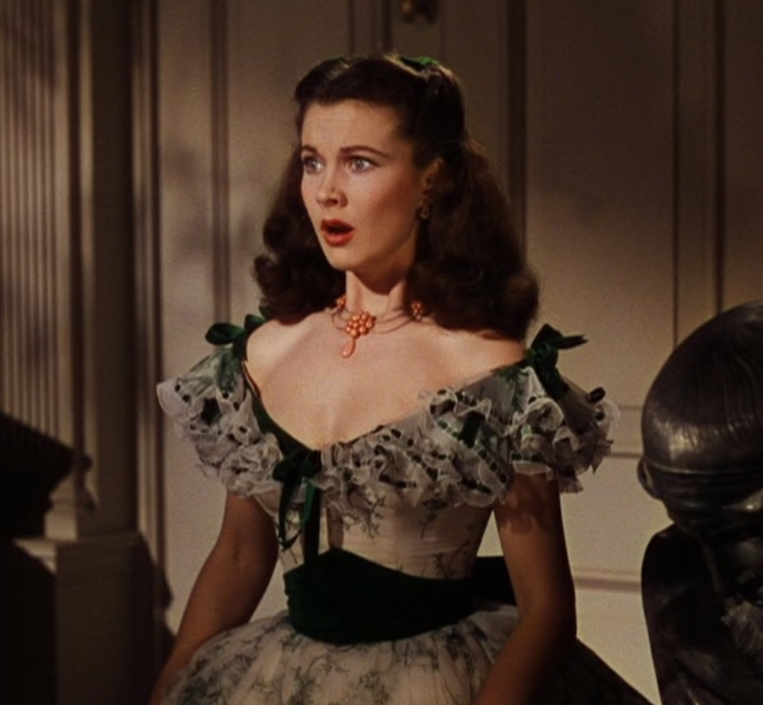 A Vivien Leigh coral necklace worn at the Twelve Oaks barbeque in Gone With the Wind - Image 4 of 5