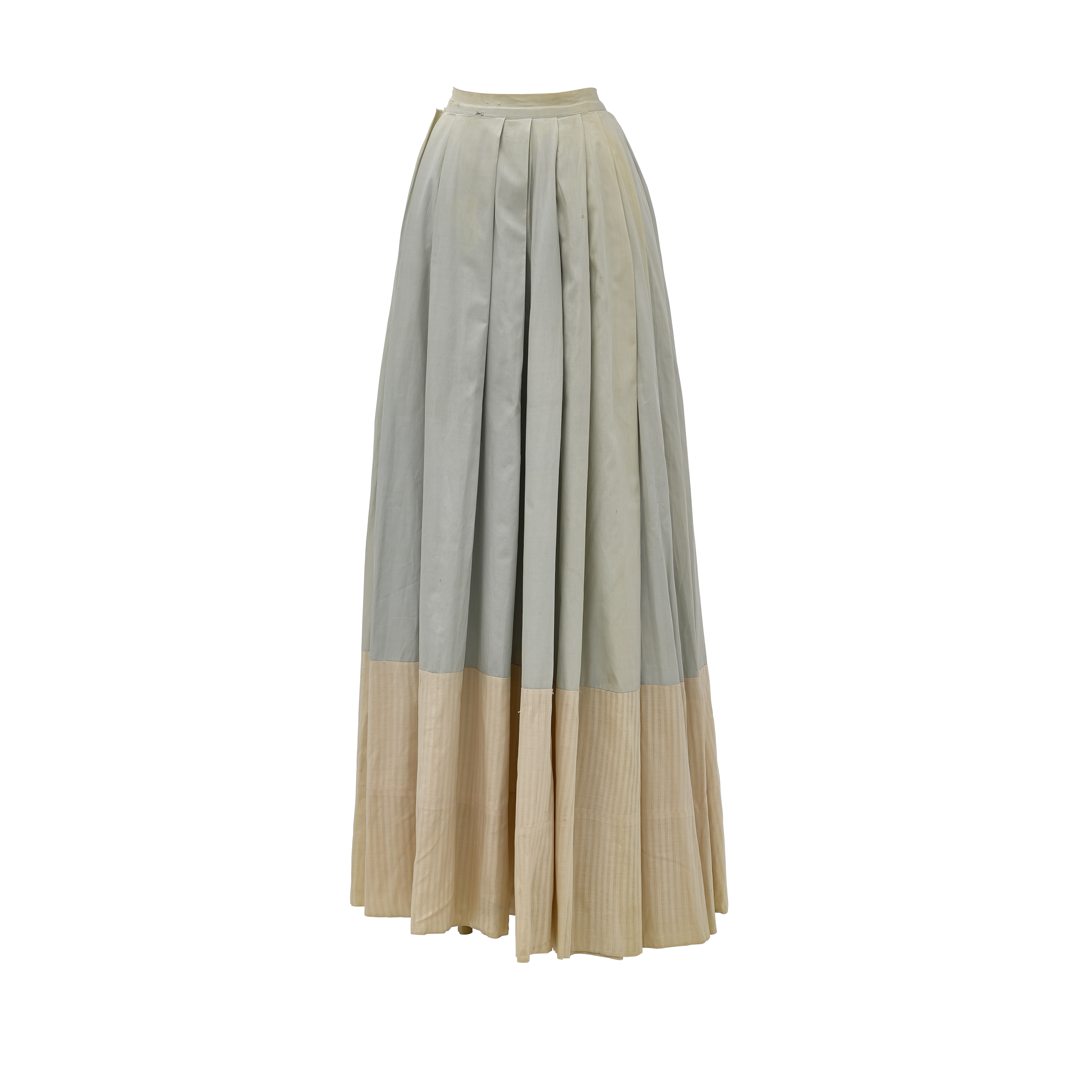 An Ann Rutherford skirt from Gone With the Wind - Image 5 of 6