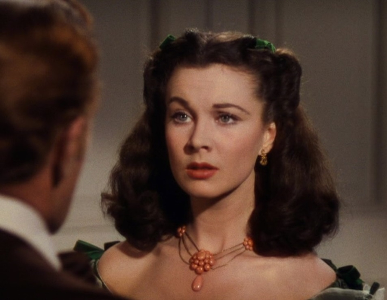 A Vivien Leigh coral necklace worn at the Twelve Oaks barbeque in Gone With the Wind - Image 2 of 5