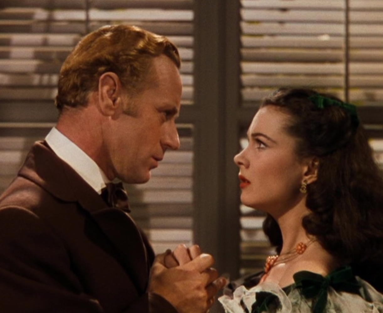 A Vivien Leigh coral necklace worn at the Twelve Oaks barbeque in Gone With the Wind - Image 5 of 5