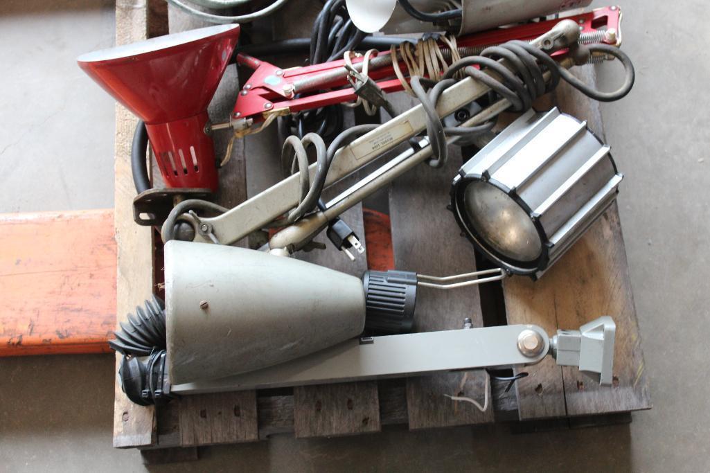 Lot 29 - Machinery lights