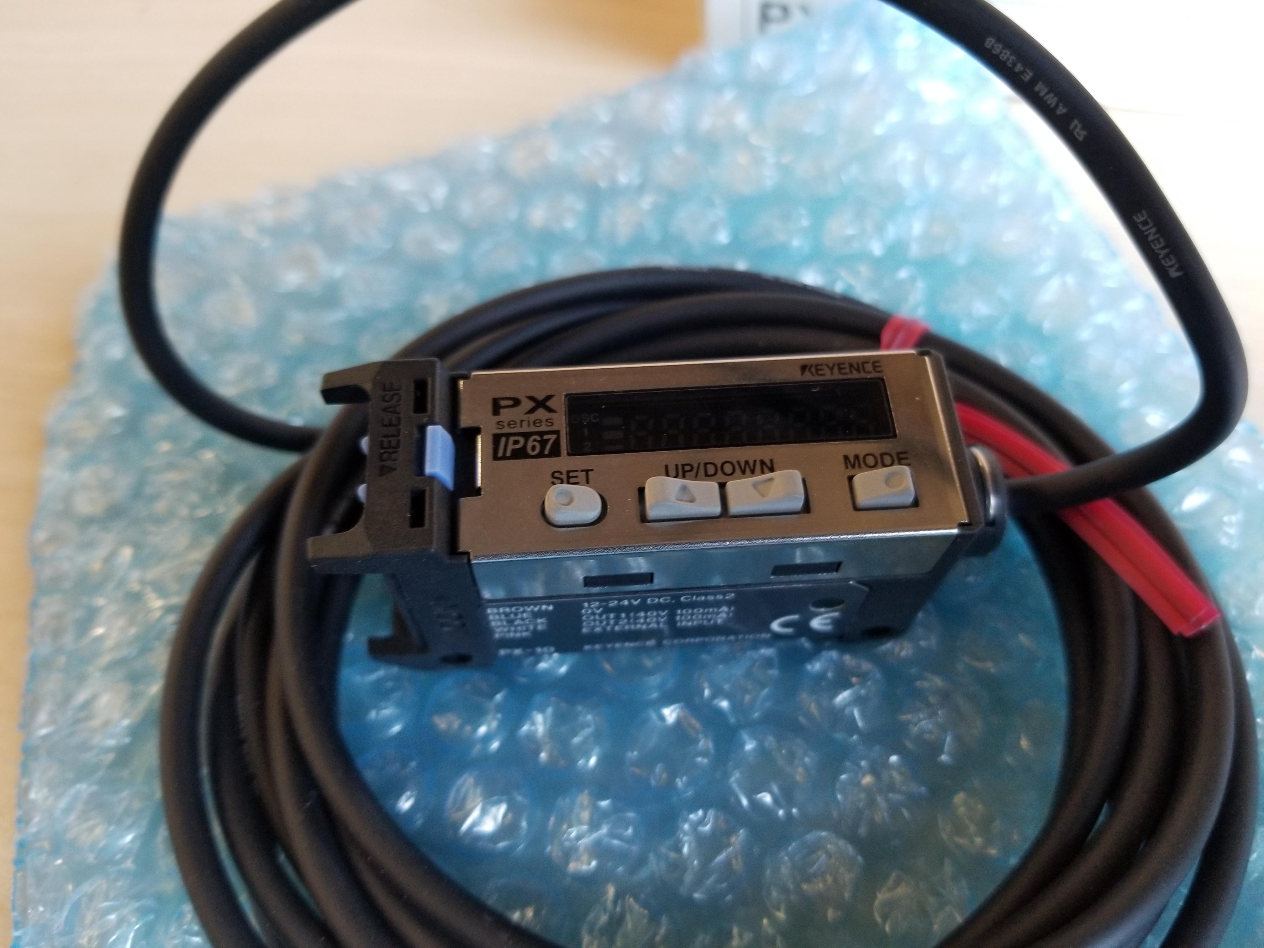 New Keyence Environment Resistant Digital Photoelectric Sensor PX-10 - Image 2 of 5