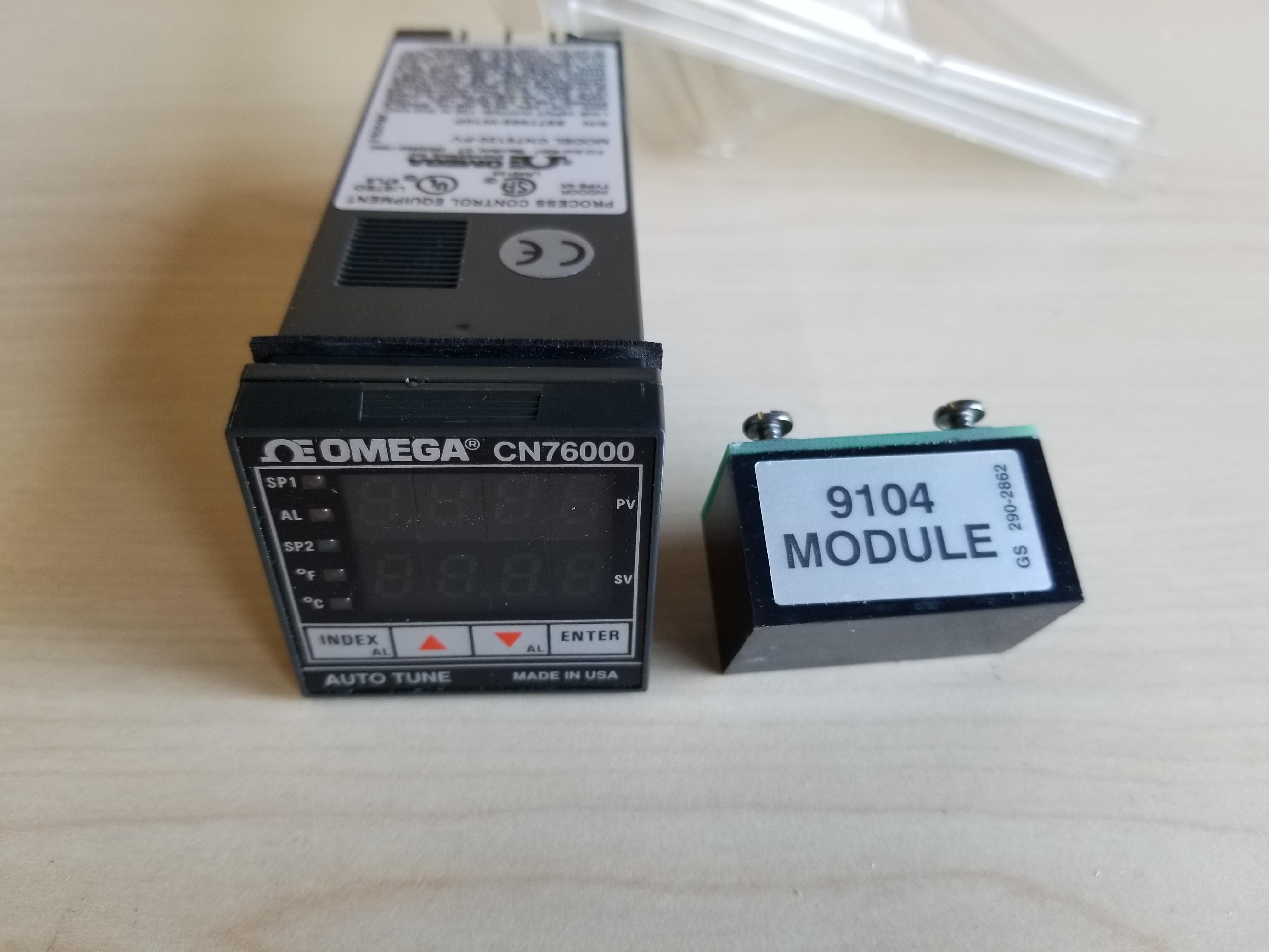 New Omega 1/16 DIN PID Autotune Temperature Controller - Image 2 of 4