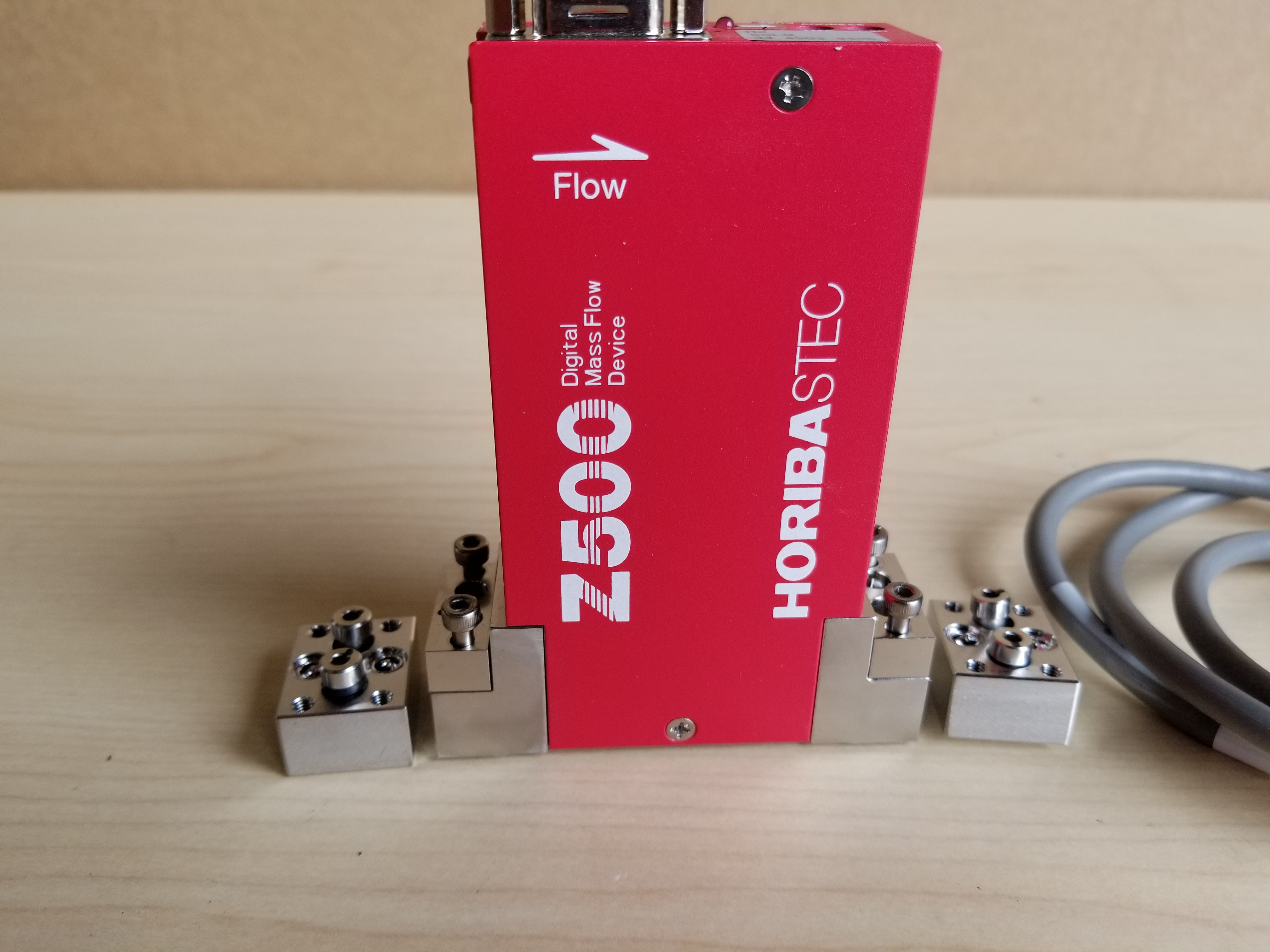 Horiba STEC Z500 Digital Mass Flow Controller - Image 2 of 9