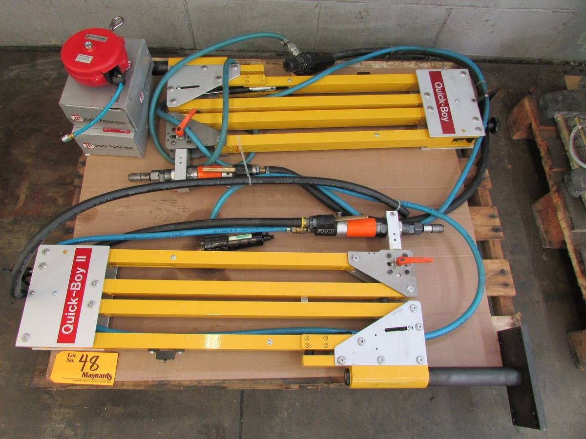Cooper Industries DCD Pneumatic Tappers