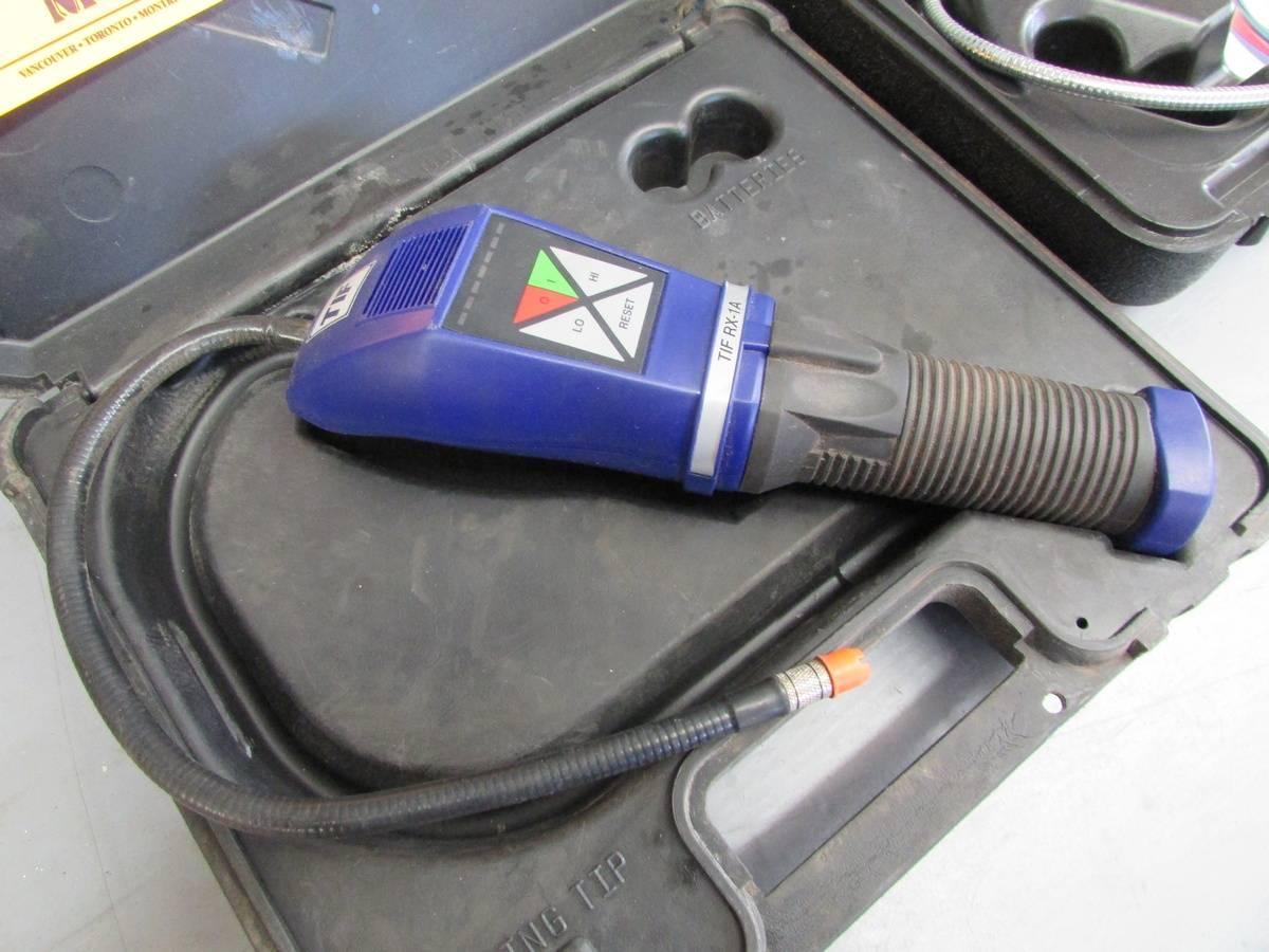Portable Gas Detectors - Image 2 of 4