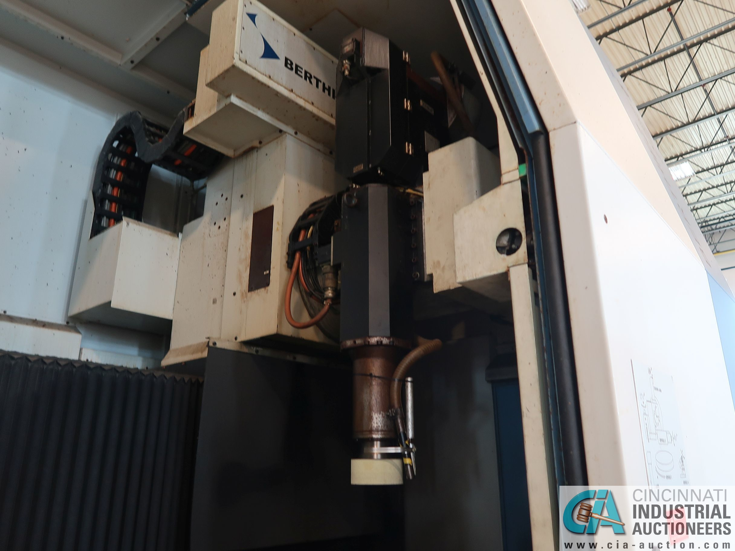 BERTHIEZ MODEL RVU 900/80 ID/OD, WITH TURNING, VERTICAL CNC GRINDER; S/N 4219, 84OD SIEMENS CONTROL - Image 18 of 33