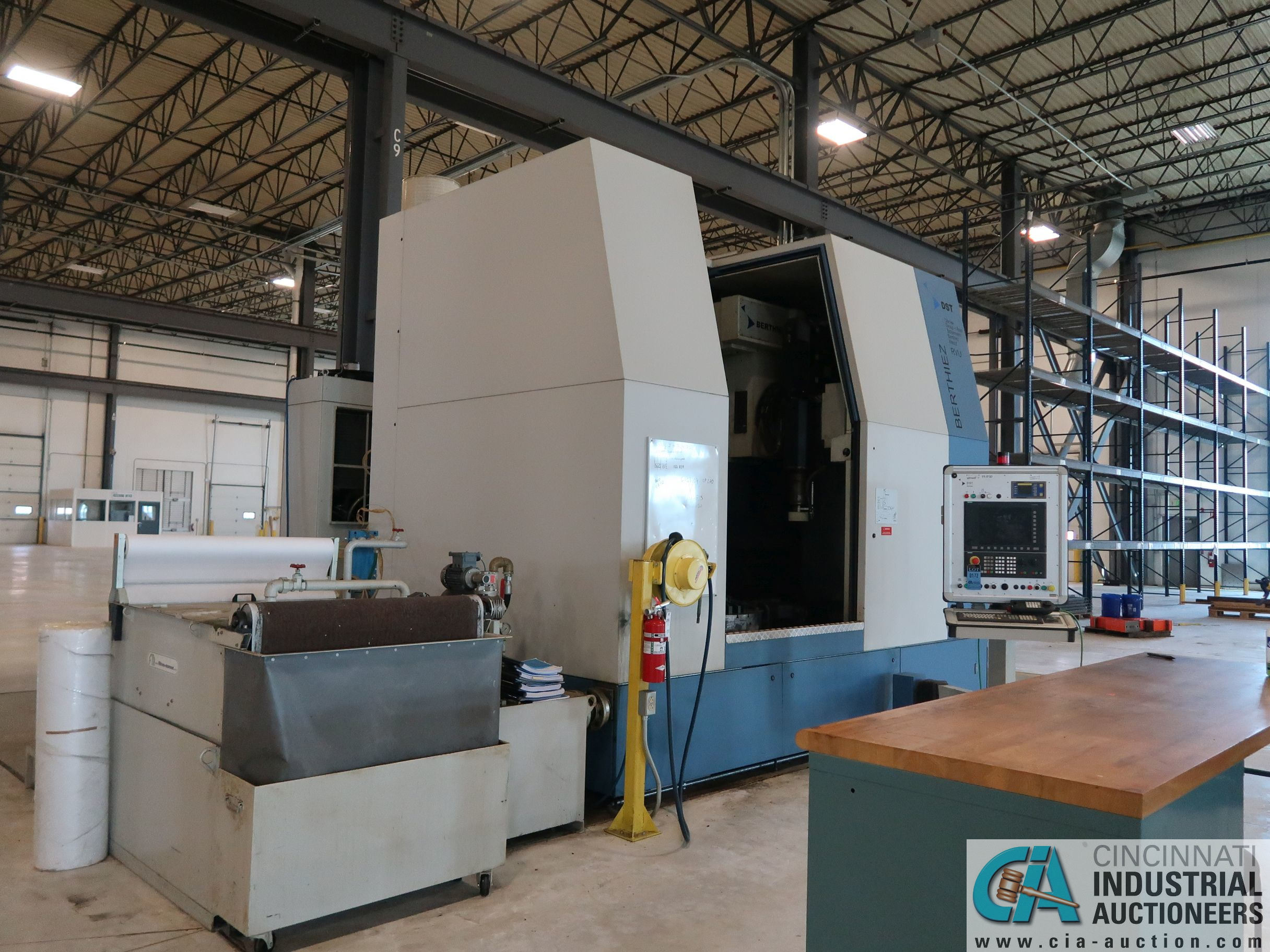 BERTHIEZ MODEL RVU 900/80 ID/OD, WITH TURNING, VERTICAL CNC GRINDER; S/N 4219, 84OD SIEMENS CONTROL - Image 15 of 33