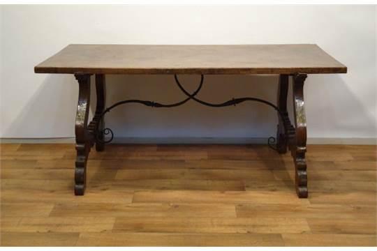 Antieke Spaanse Tafel : Spaanse tafel spaanse kastanjehouten tafel met rechthoekig blad