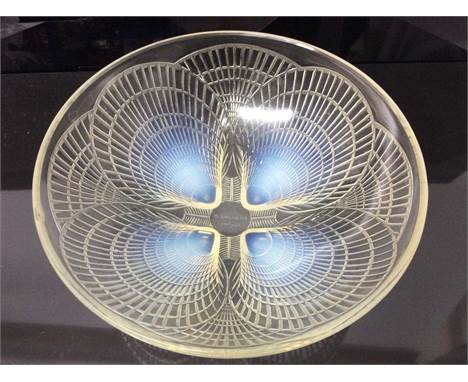 Good quality 1930's Lalique opalescent Coquille pattern glass bowl, signed R Lalique France, 24cm diameterCondition report: O