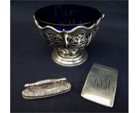 ASSORTED SILVER ITEMS comprising Edward VII pierced silver bon bon pedestal dish with blue glass liner, Sheffield 1906, John