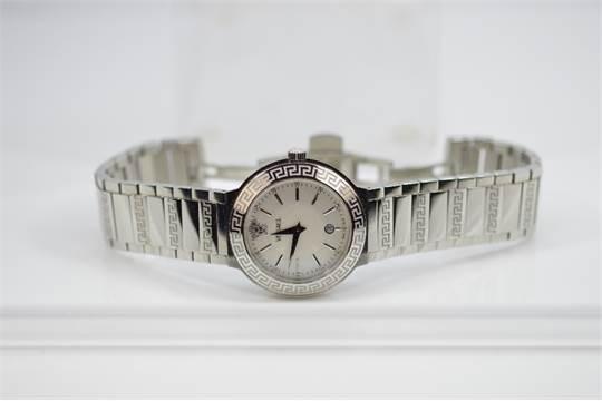 VERSACE - a gentleman`s Landmark Round bracelet watch