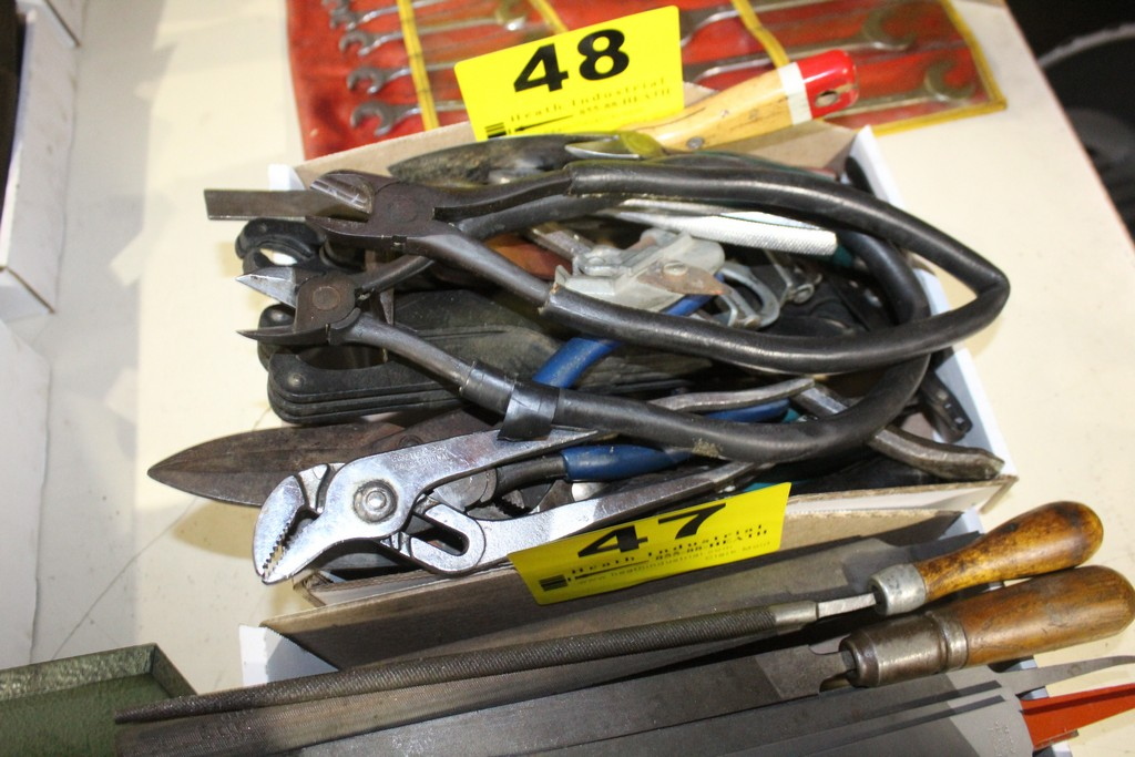 Lot 48 - ASSORTED HANDTOOLS
