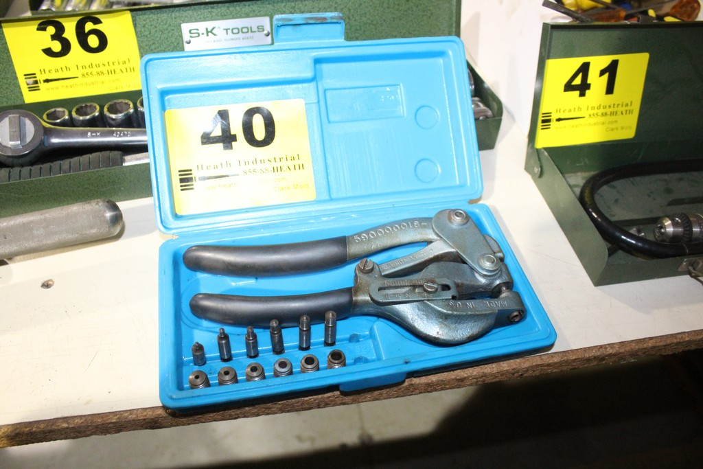 Lot 40 - ROPER WHIITNEY HAND PUNCH WITH CASE