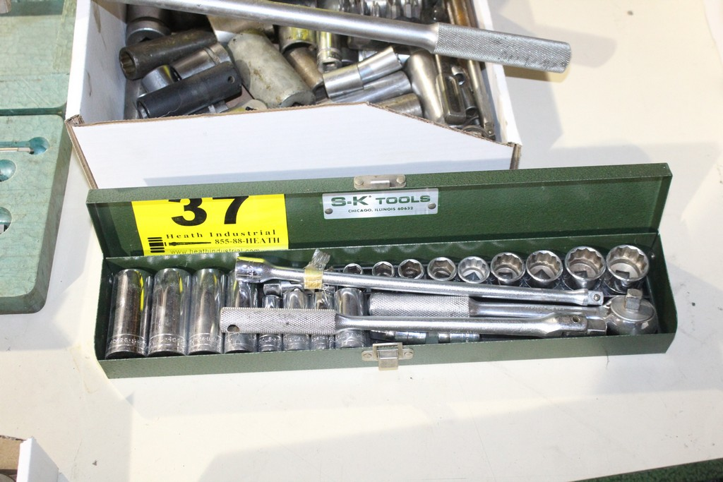 "Lot 37 - SK TOOLS 3/8"" SOCKET SET WITH RACHET, BREAKER BAR AND EXTENSION"