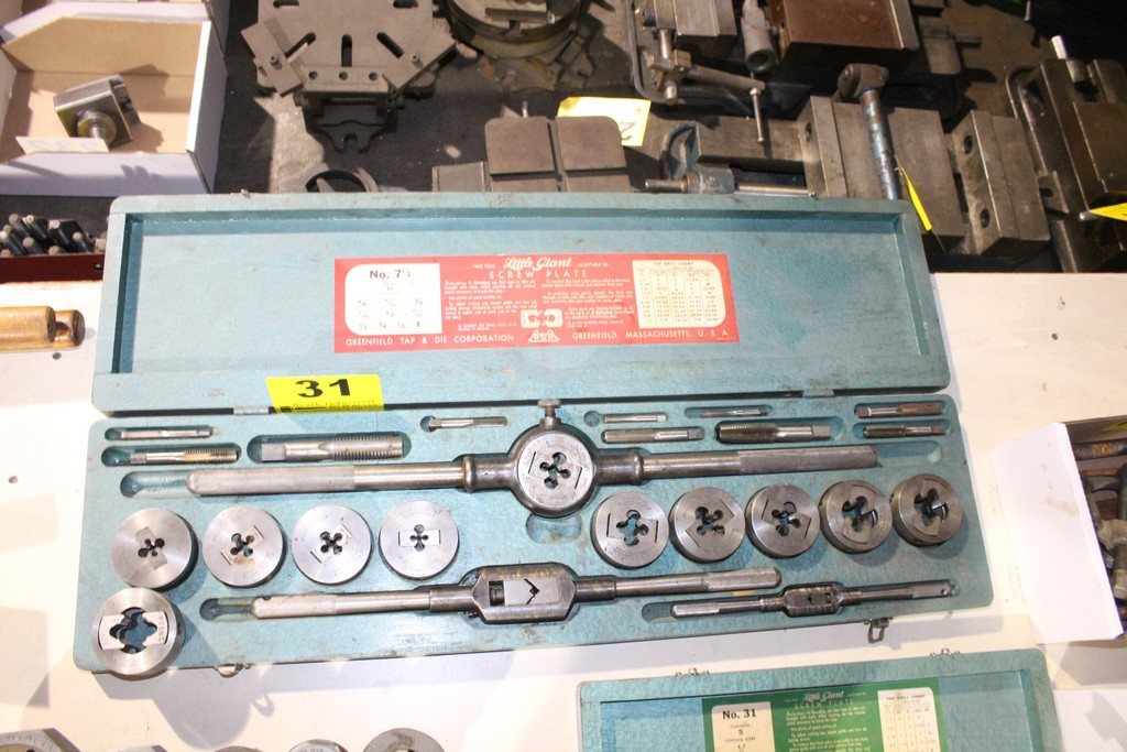 Lot 31 - LITTLE GIANT NO. 7 1/2 TAP AND ADJUSTABLE DIE SET