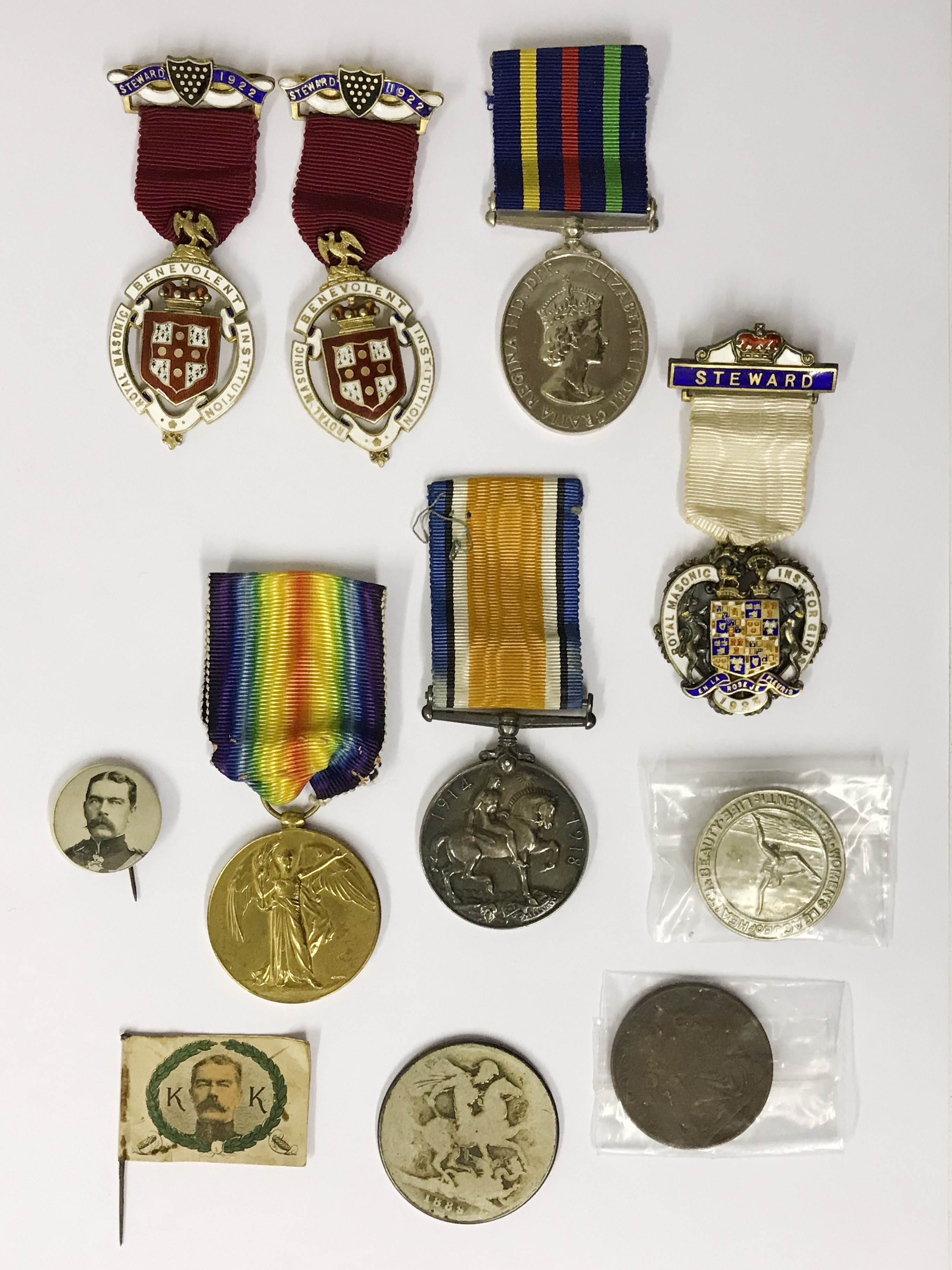 Lot 29 - Small collection of Medals & coins