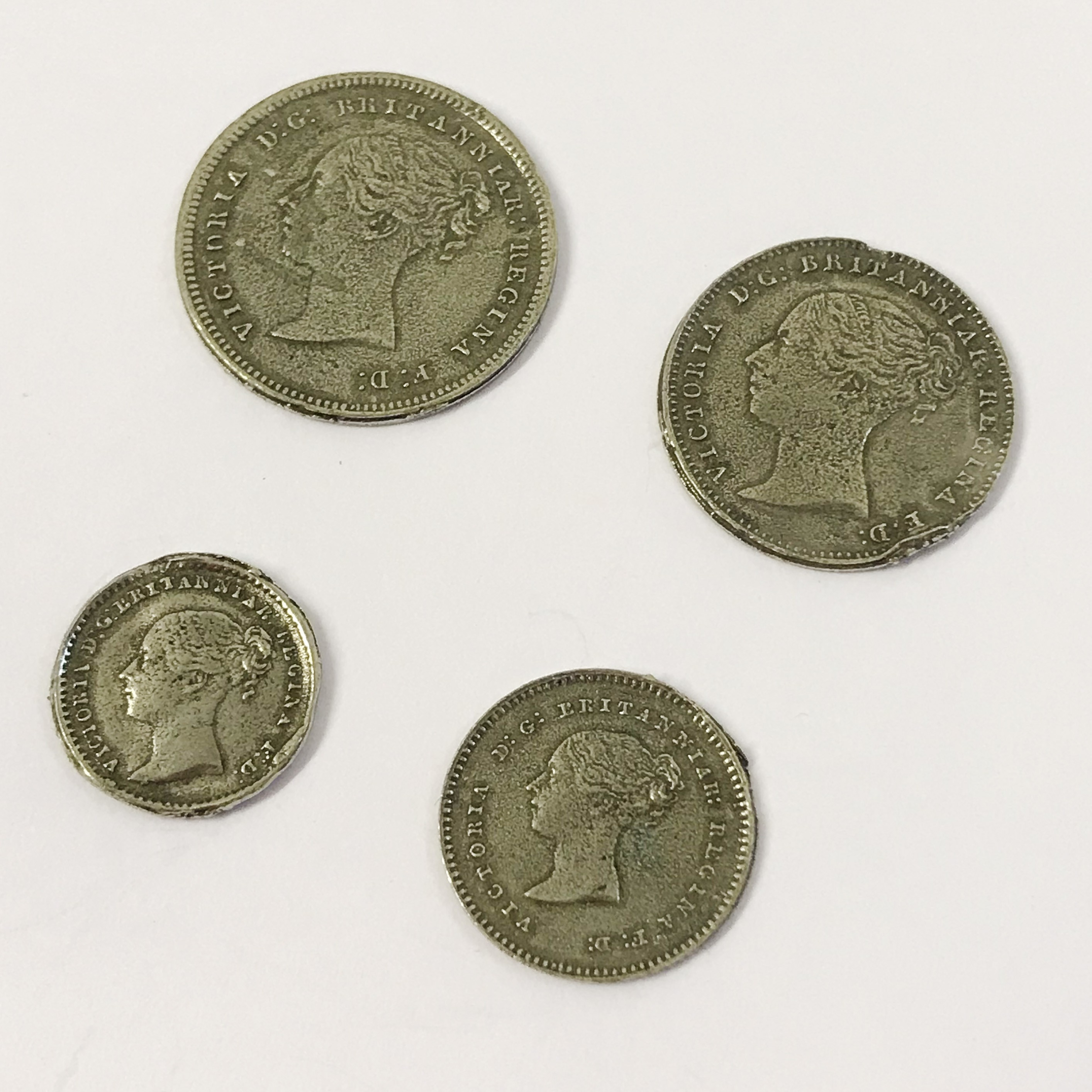 Lot 5 - WITHDRAWN - SILVER QUEEN VICTORIA MAUNDY MONEY COIN SET 1845 IN CASE
