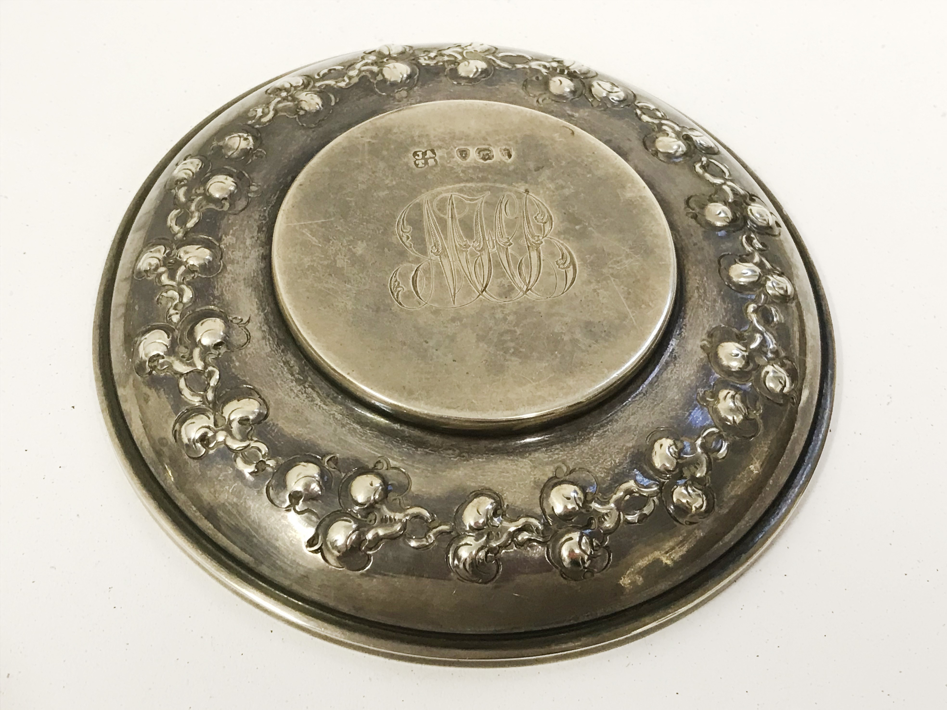 Lot 8 - SMALL GROUP OF SILVER ITEMS INC WINE TESTING BOWL POSE VASE & PIN DISHES