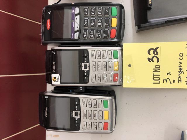 Lot 32 - (3) INGENICO Terminaux Cartes Crédit a/ bases