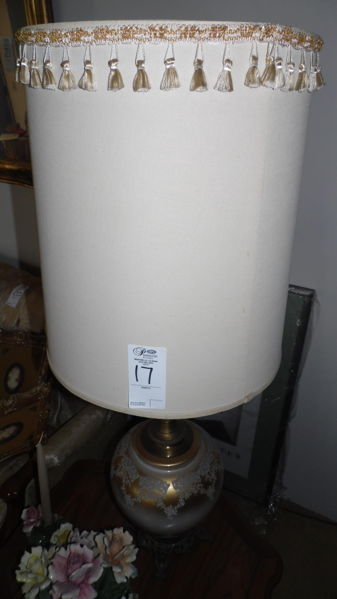Lot 17 - BROWN / WHITE LAMPS