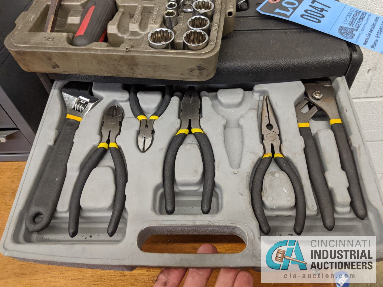 (LOT) TOOL SETS WITH WRENCHES, SOCKETS, OTHER - Image 2 of 5
