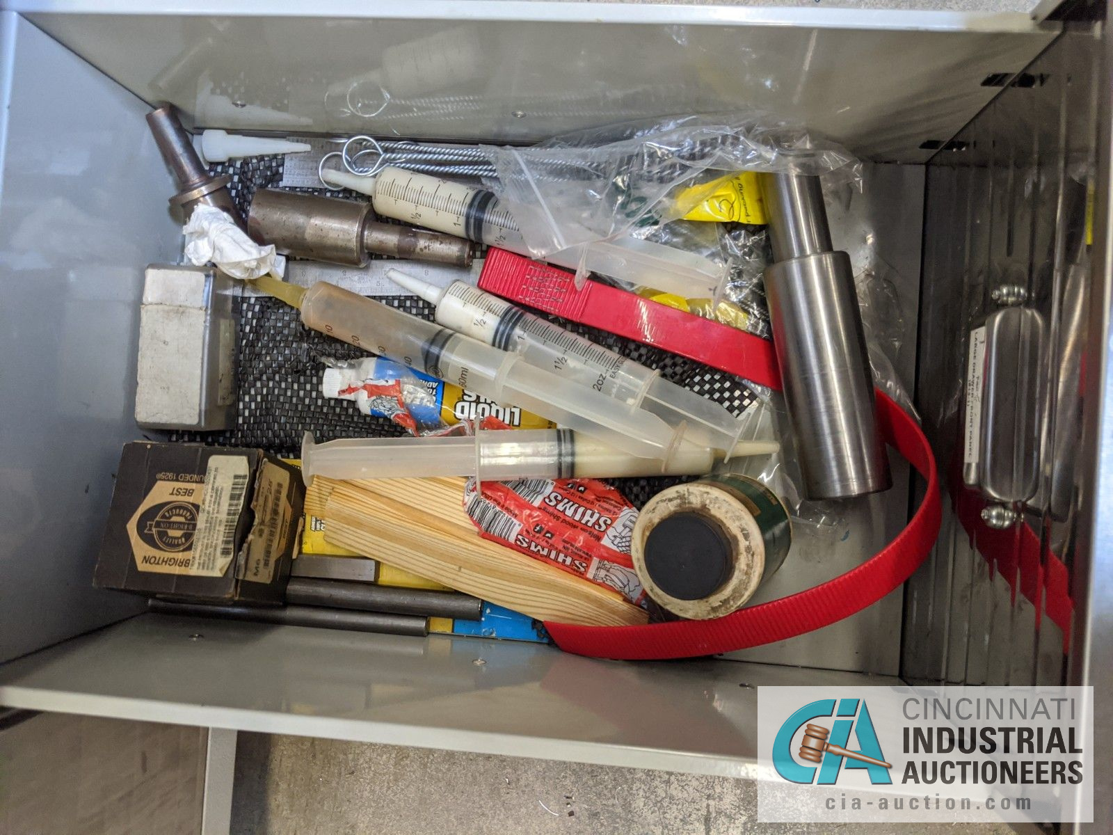 5-DRAWER PORTABLE BOX WITH CONTENTS - ASSORTED HAND TOOLS, MAPLE TOP - Image 6 of 7