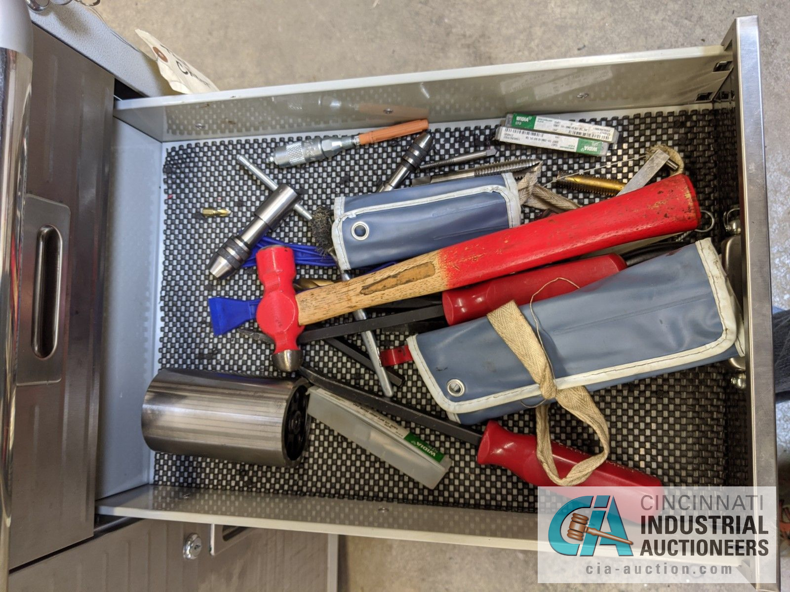 5-DRAWER PORTABLE BOX WITH CONTENTS - ASSORTED HAND TOOLS, MAPLE TOP - Image 4 of 7