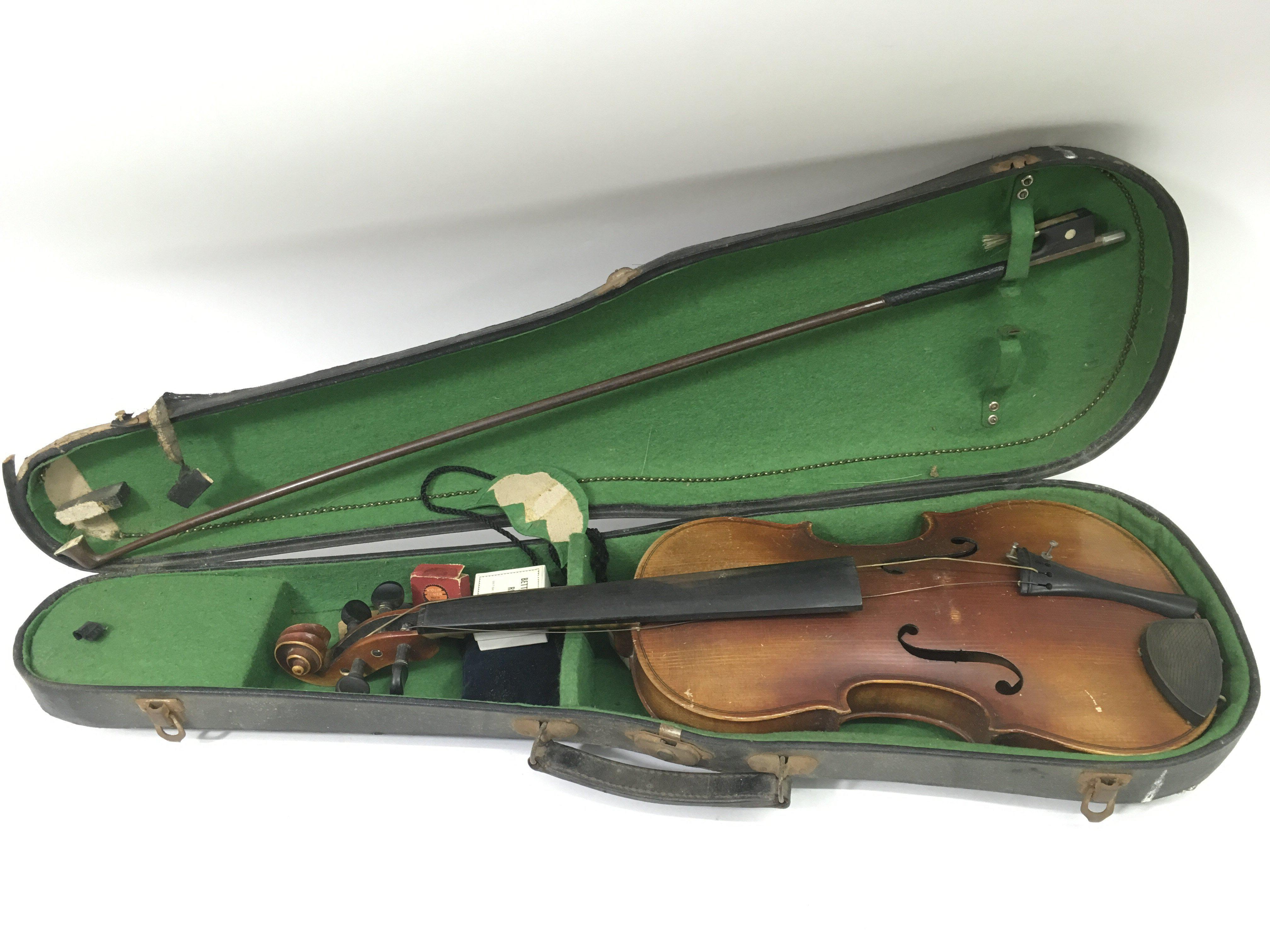 Lot 1753 - An unlabelled cased violin, a/f
