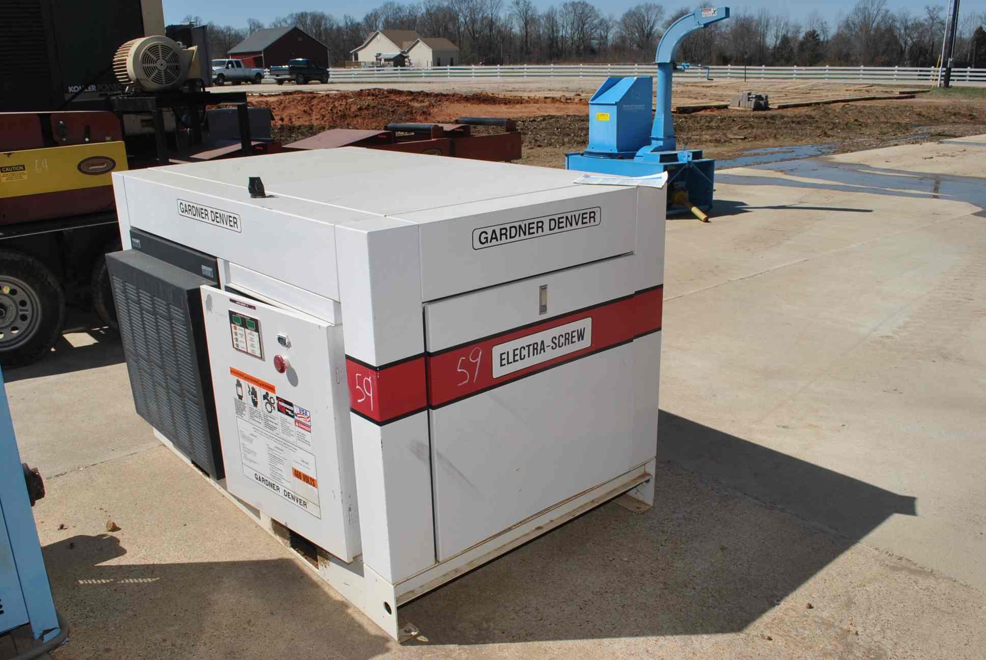 Lot 59 - GARDNER DENVER ELECTRA SCREW 40 HP AIR COMPRESSOR MODEL EDE99K;  100 PSI ...