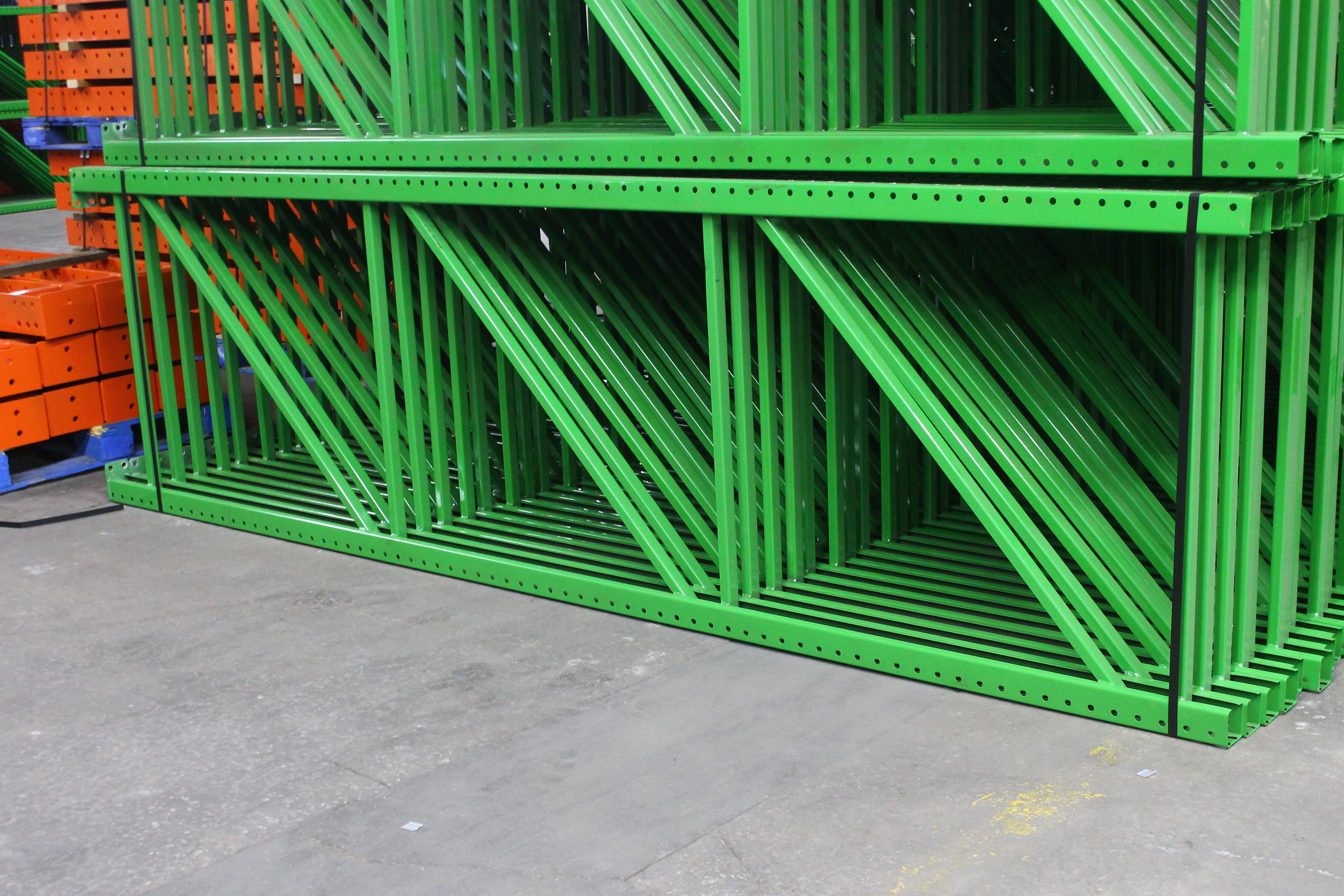 """NEW 60 PCS OF TEARDROP UPRIGHT. SIZE 12'H X 42""""D, 3""""X 3"""" GREEN - Image 3 of 3"""