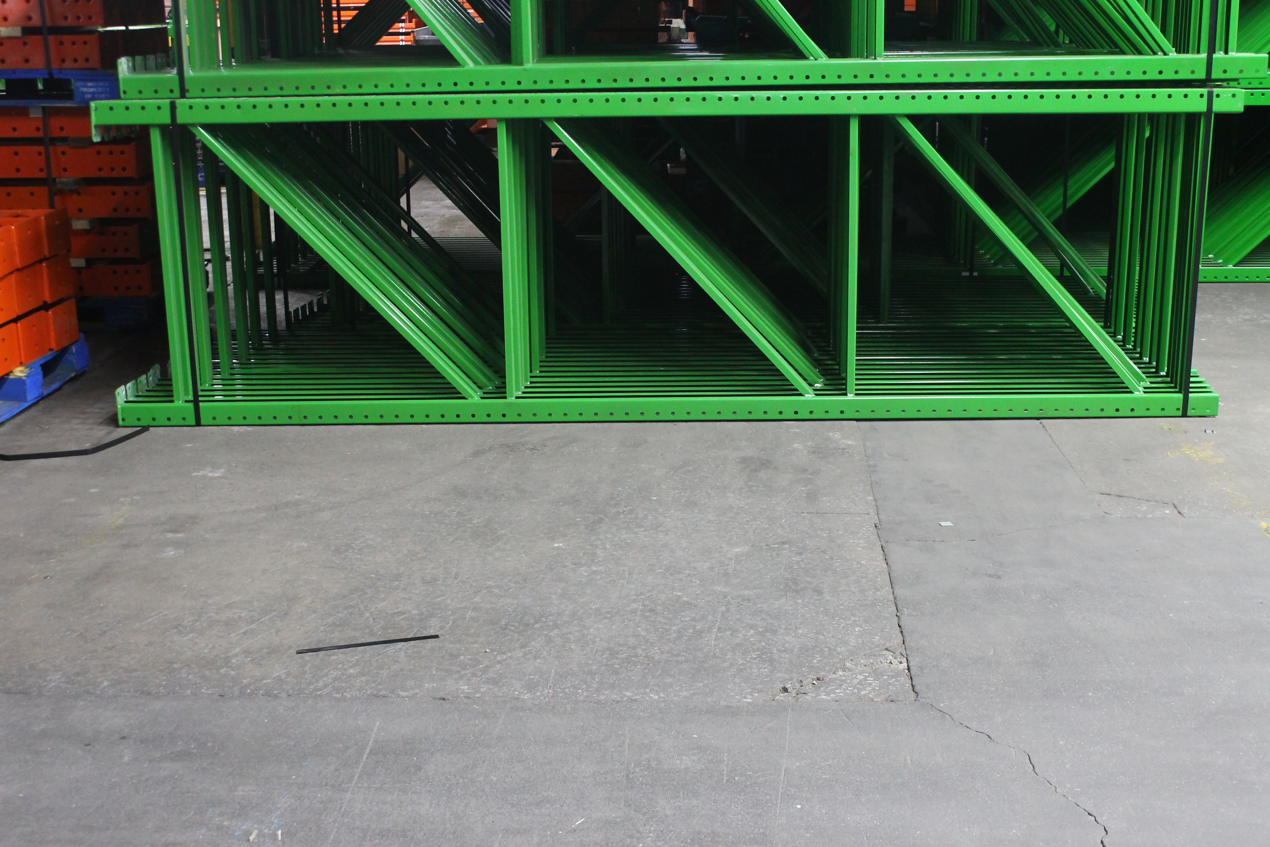 """NEW 15 PCS OF TEARDROP UPRIGHT. SIZE 12'H X 42""""D, 3""""X 3"""" GREEN - Image 2 of 2"""