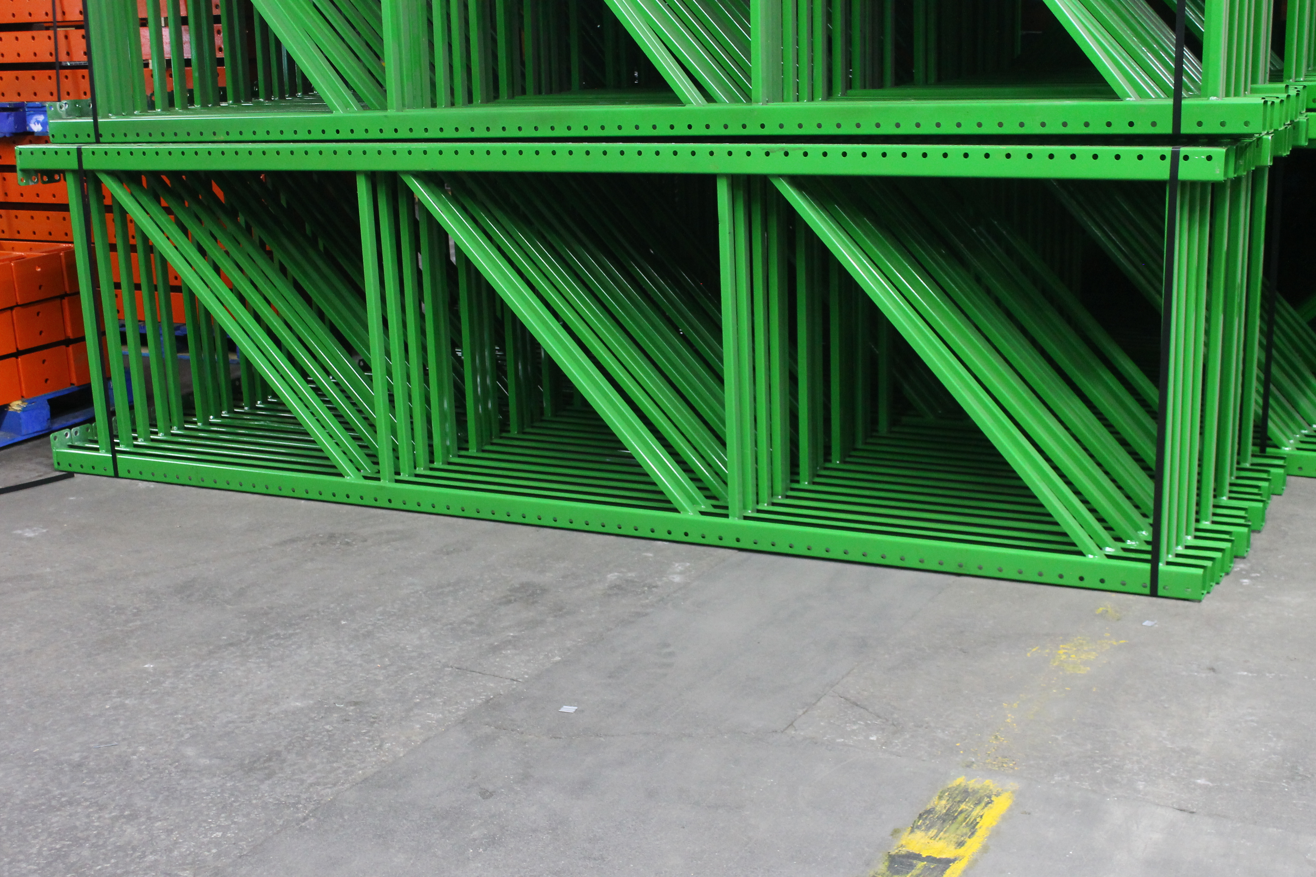 """NEW 60 PCS OF TEARDROP UPRIGHT. SIZE 12'H X 42""""D, 3""""X 3"""" GREEN - Image 2 of 3"""