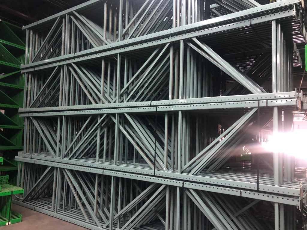 """11 BAYS OF 20'H X 42""""D X 96""""L USED TEARDROP STYLE PALLET RACKS WITH UNEX SPAN TRACK FLOW RAILS - Image 2 of 5"""