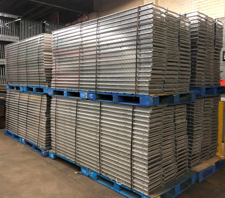 Lot 20 - 40 PCS OF USED SPAN TRACK
