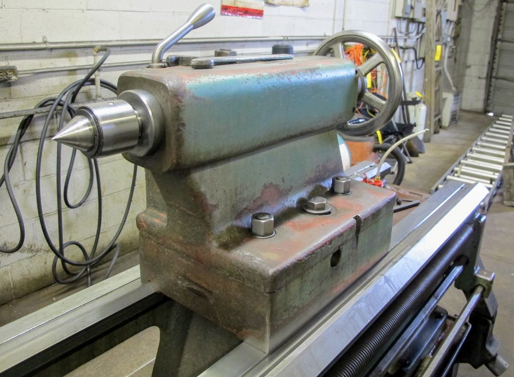 "TOS TRENCIN SN71B LATHE, 28"" SWING, 7' BED, 3 JAW CHUCK, TAIL STOCK, STEADY REST, QUICK CHANGE - Image 7 of 10"