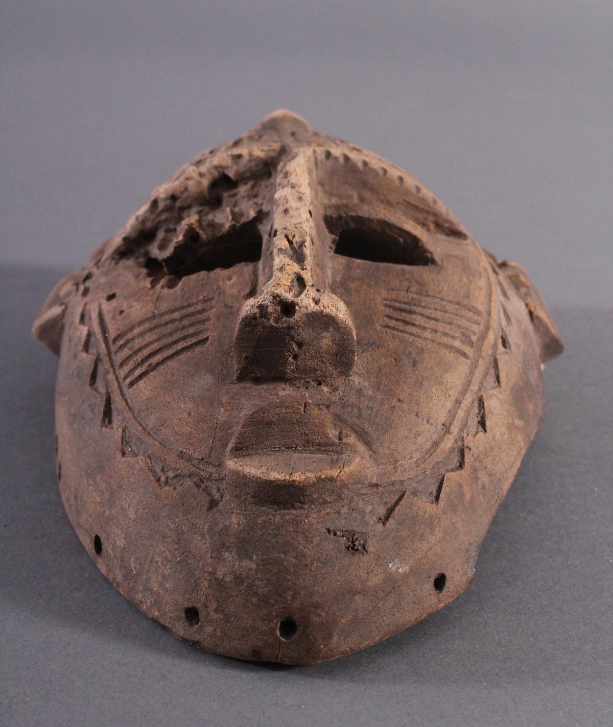 Antike Maske, Senufo, Elfenbeinküste 1. Hälfte 20. Jh.Aus hellem Holz geschnitzt, Narbentatauierung, - Bild 5 aus 6