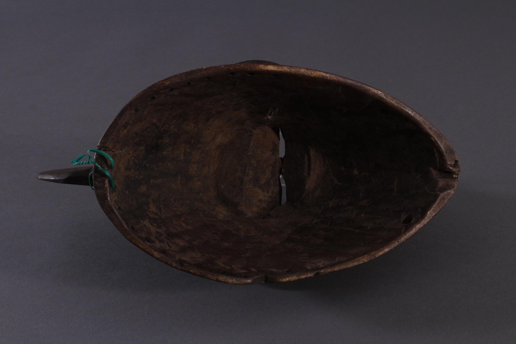 Antike Maske, Baule, Elfenbeinküste 1. Hälfte 20. Jh.Holz geschnitzt,dunkle Patina, Reste von - Bild 6 aus 6