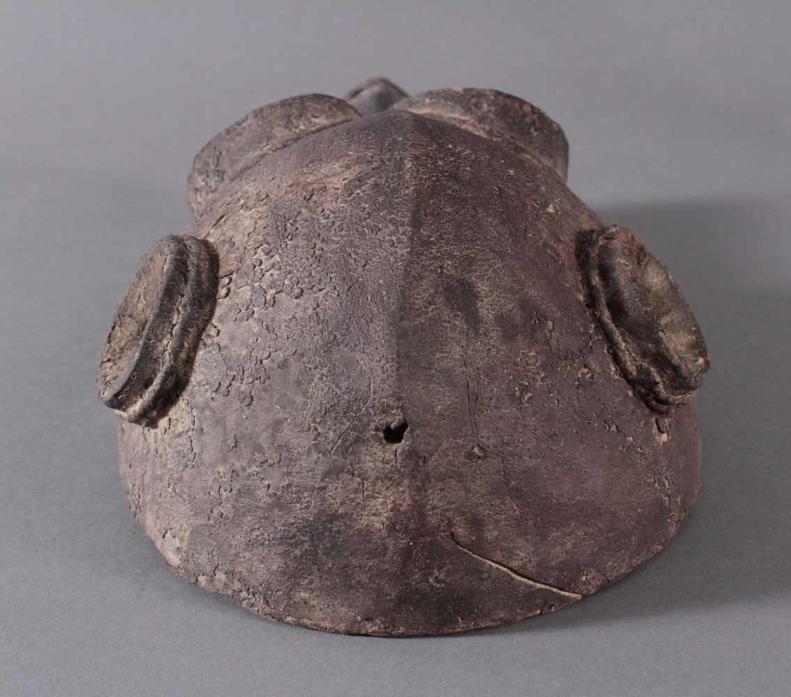 Antike Große Zoomorphe Maske. SeltenAus dem Vollholz geschnitzt, dunkle Patina darüber schwarze - Bild 5 aus 7